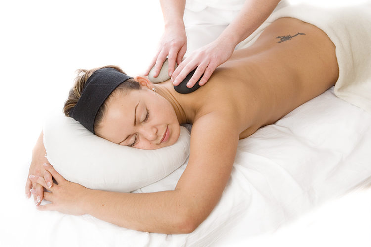 van der Linden Body & Mind Wellness relax hotstone massage 2